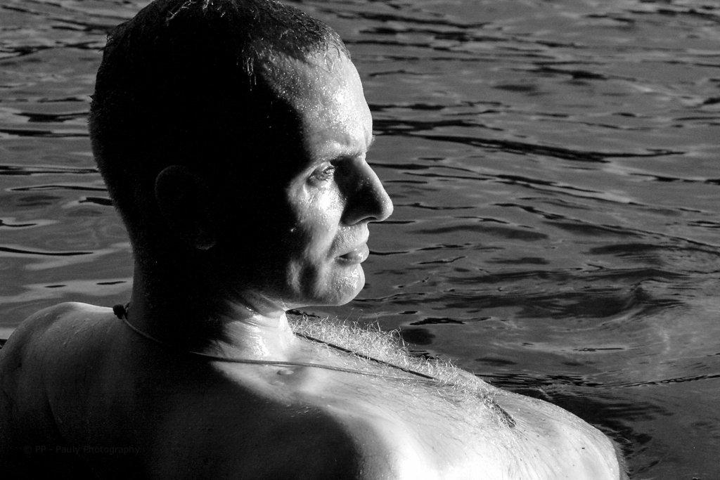 Fotomodell im Wasser